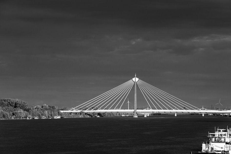 Donaustadtbrücke van Heinz Grates