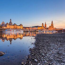 In the evening in Dresden on the Elbe van Michael Valjak