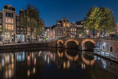 Rustige avond aan de Torensluis in Amsterdam