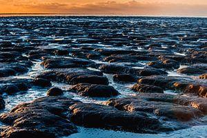 zonsondergang op het wad 3 van Jan Peter Nagel
