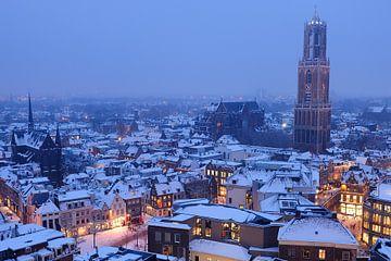 Besneeuwde binnenstad van Utrecht van