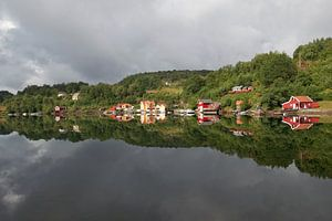 Noorwegen - Dorp met reflectie van