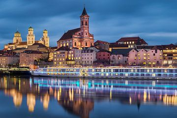 Zonsondergang in Passau, Duitsland van Michael Abid