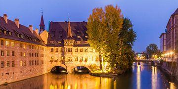 Hôpital du Saint-Esprit à Nuremberg la nuit sur Werner Dieterich