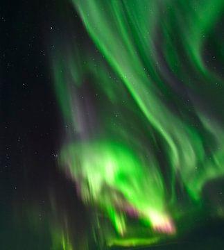 Les aurores boréales dans le ciel nocturne sur Sjoerd van der Wal