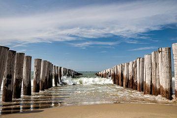 Brise-lames sur la plage de Domburg sur Martijn van der Nat