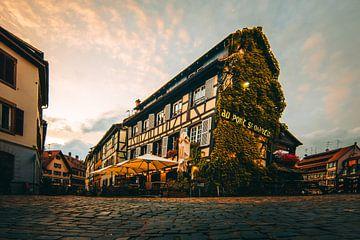 Frankrijk Straatsburg, Straatsburg, vakwerkhuis in de avond, restaurant van Fotos by Jan Wehnert