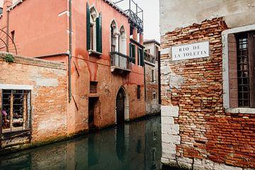 De authentieke kanalen van Venetië in Italië van Art Shop West