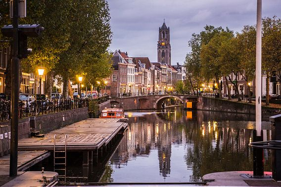 De Domtoren met Oudegracht in Utrecht