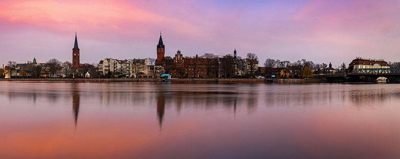 Berlin - La vieille ville de Köpenick au coucher du soleil sur Frank Herrmann