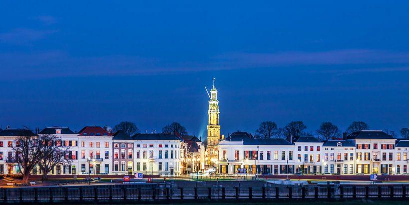Hanzestad Zutphen in de avond van Martin Bergsma