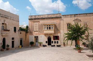 village square in rabat on malta von