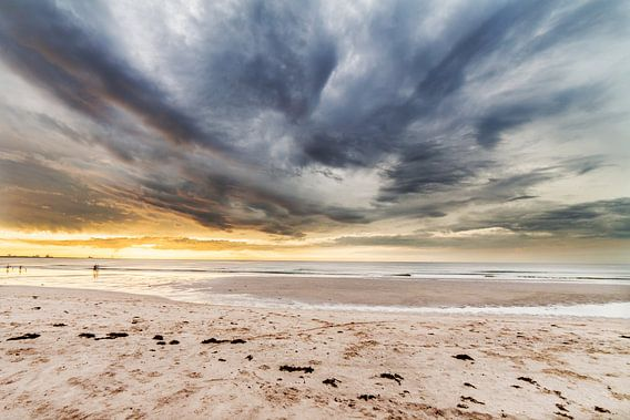 Zonsondergang op het Strand II van Thomas van der Willik