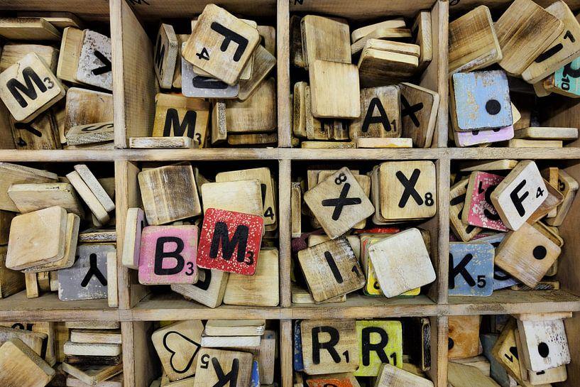 Scrabble letters. van Marian Klerx