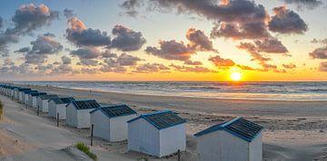 Zonsondergang op het strand van de Koog op Texel van Justin Sinner Pictures ( Fotograaf op Texel)