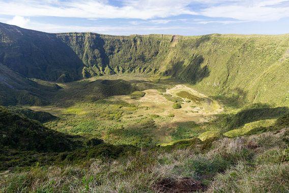 La Caldeira  gelegen in het midden van het eiland Faial  is een vulkaankegel