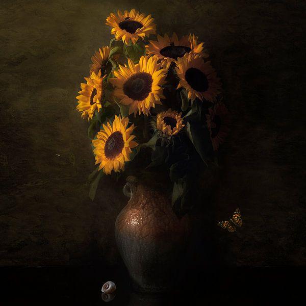 """Königliches Sonnenblumenstillleben """"Ode an Vincent van Gogh"""". von Sander Van Laar"""