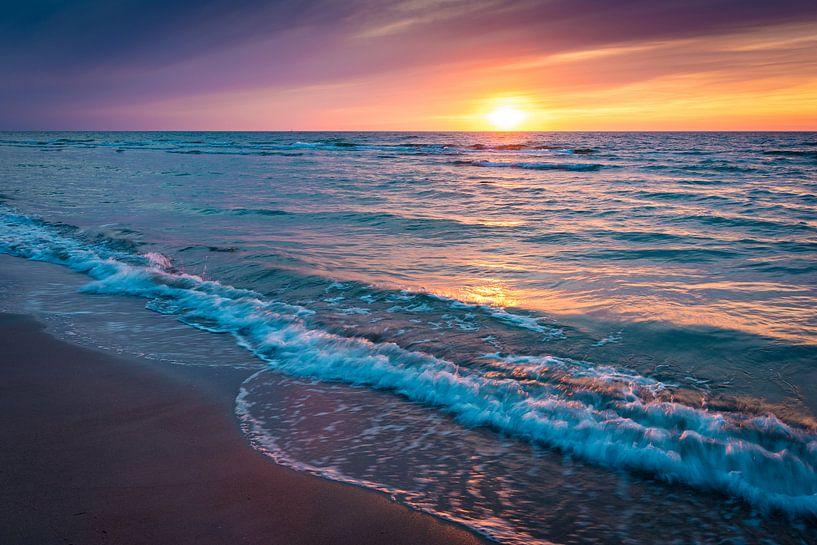 Coucher de soleil sur la mer Baltique sur Martin Wasilewski