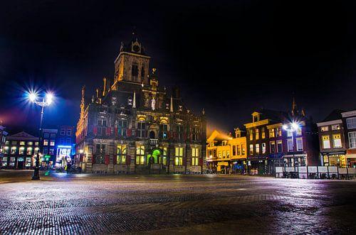 Stadhuis van Delft bij nacht