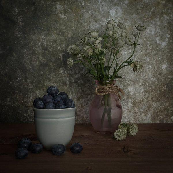 Blauwe bessen van Elly van Veen
