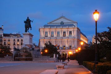 Theatro Real, Plaza de Oriente, Abenddämmerung, Madrid, Spanien