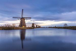 Kinderdijk molens bij zonsondergang van Jens De Weerdt