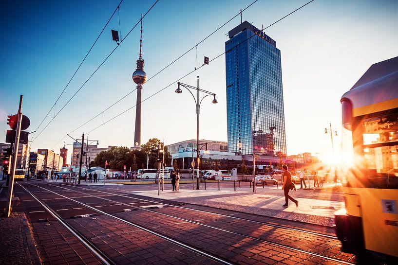 Berlin – Sunset at Alexanderplatz van Alexander Voss