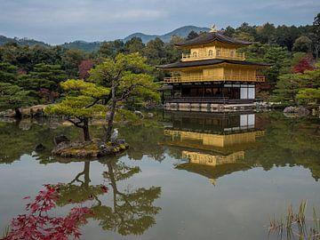 Gouden Tempel in Kyoto, Japan van Frank den Hond