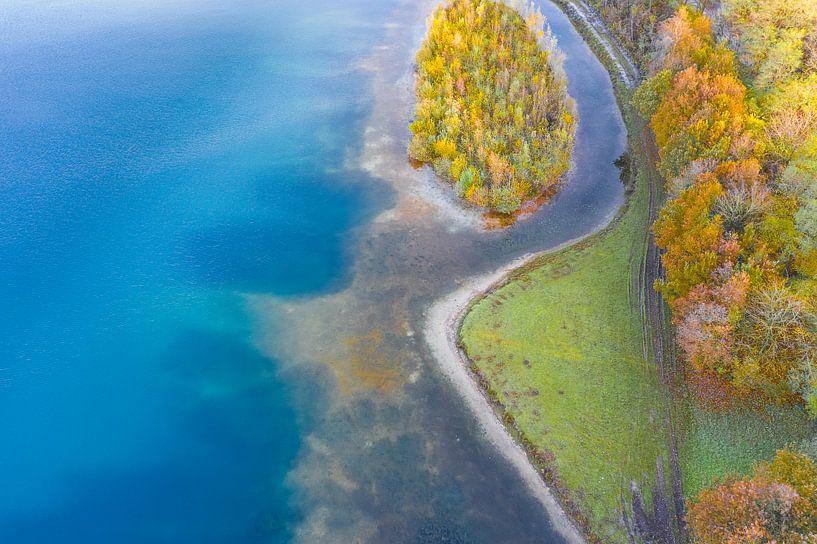 Waterlinie in herfstsfeer van Bernardine de Laat