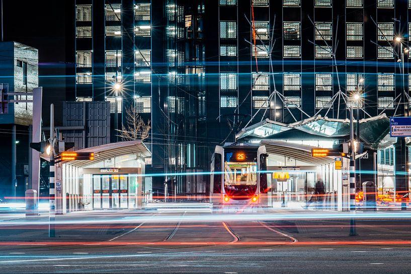 Metrostation in Rotterdam in de avond van Hanno de Vries