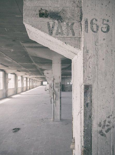 Verlaten plekken: Sphinx fabriek Maastricht Eiffelgebouw Vak 165 van Olaf Kramer