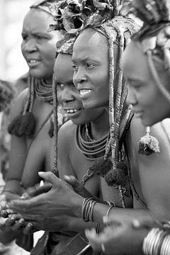 Himba vrouwen van Judith Keessen