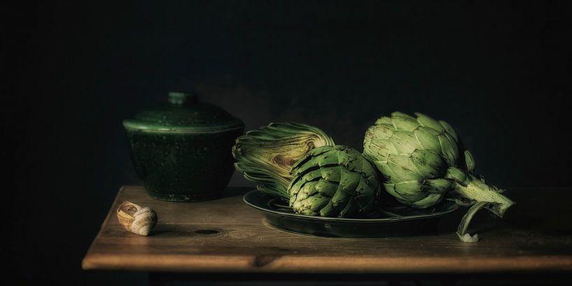 Stilleven artisjok van Monique van Velzen