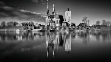 St-Martinuskerk Cuijk #6 (zwart wit) van Lex Schulte