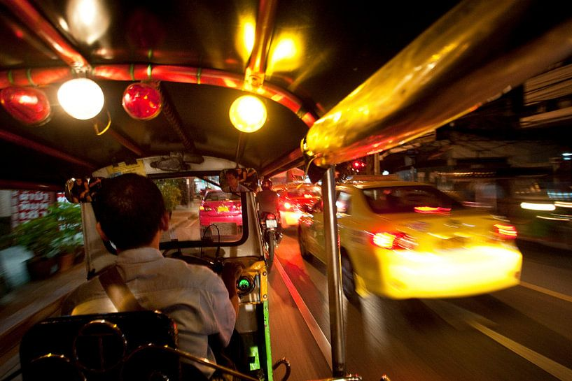 Tuktuk in Bangkok. van Luuk van der Lee
