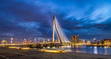 Le pont Erasmus lors d'une chaude soirée de printemps sur Rene Siebring