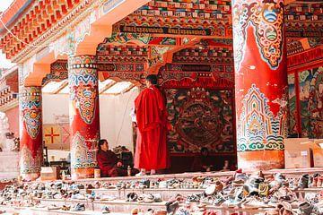 Tibetische Mönche im Kloster von Your Travel Reporter