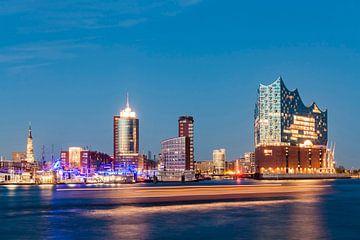 Deutschland, Hamburg, Stadtansicht, Elbe, Hafen, HafenCity, Elbphilharmonie, Elphi, Konzerthaus von Werner Dieterich