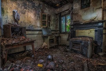 Oude vervallen keuken von Robert Van den Bragt