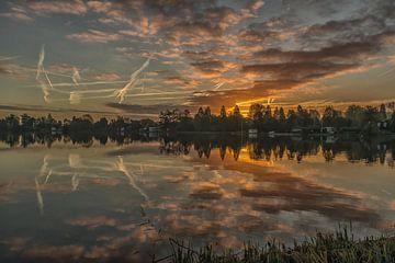 zonsopkomst aan de Reeuwijkse plassen van Renate Oskam