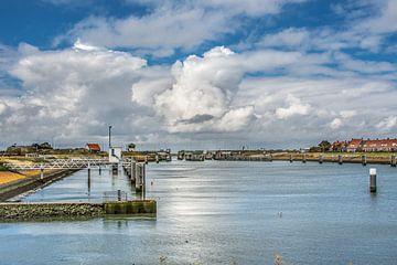 De sluizen en haven in de Afsluitdijk bij Cornwerd van Harrie Muis
