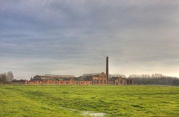 Vervallen strokartonfabriek de Toekomst (Scheemda, Nederland) van Sandra de Heij