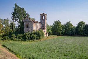 Verlaten kerkje in Italie