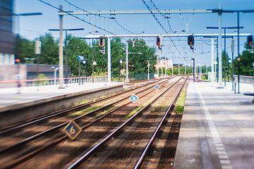 Spoor treinstation Almere Centrum van Juliette Arts