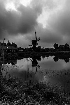 Molen ter Leede (zwart-wit) van Henri van den Berg