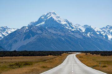 De weg naar Mount Cook van Ton de Koning