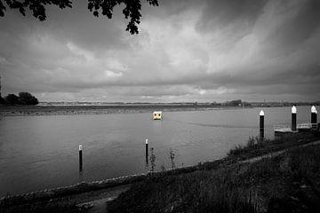 Woonboot op de Maas van Rik Brussel