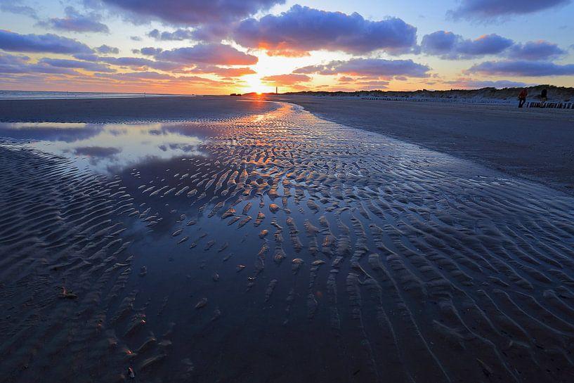 Zonsondergang op het strand van Antwan Janssen
