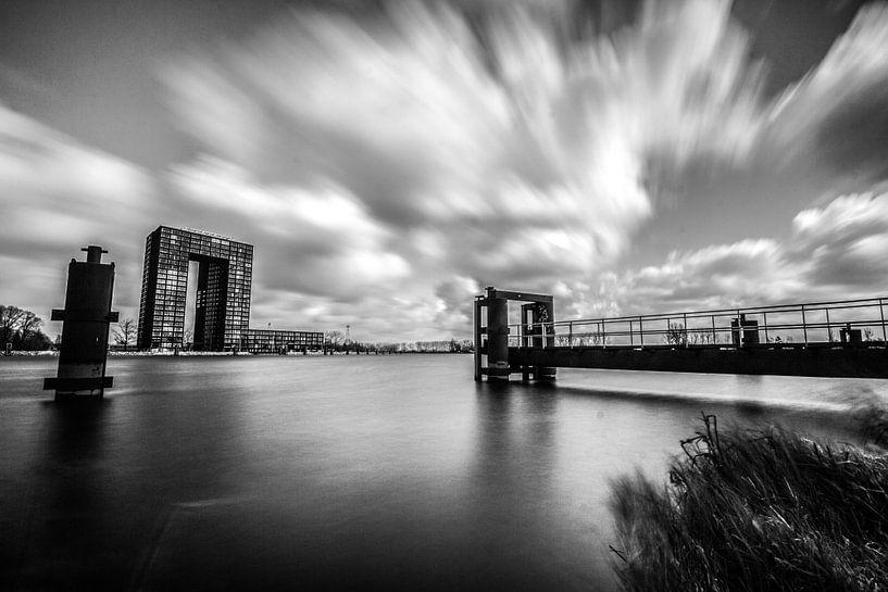 Tasmantoren 3 (zwart-wit) van Iconisch Groningen