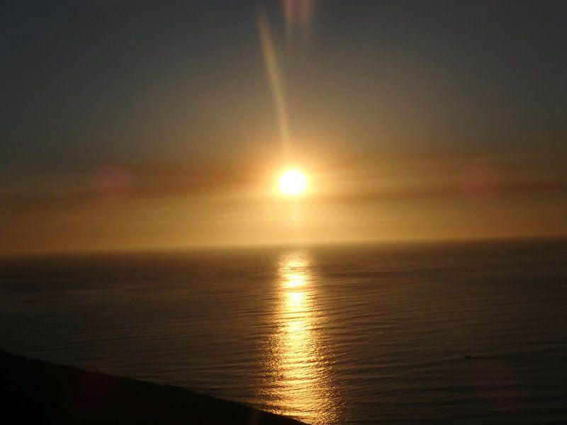 Zonsondergang in zee van Robin van Tilborg
